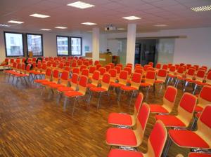 Der neu renovierte Gottesdienstsaal schafft Platz für 40 weitere Besucher